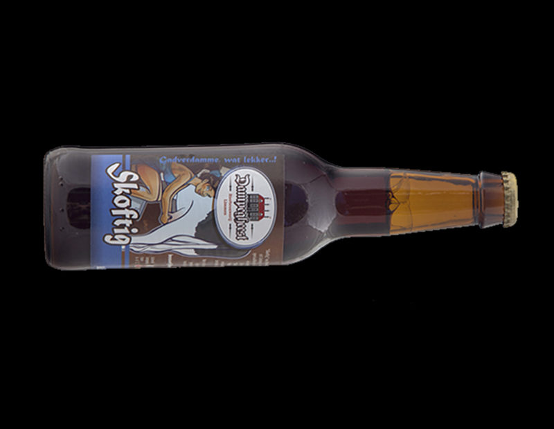 thrillerschrijfster marleen hartog skoftig flesje bier merk boek west-friesland biermerk thriller verhaal